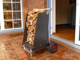 mit dem RoRoCart fahren Sie Brennholz bis in Ihr Wohnzimmer